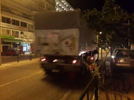 Το φορτηγό φορτωμένο ξεκινάει για την Μυτιλήνη